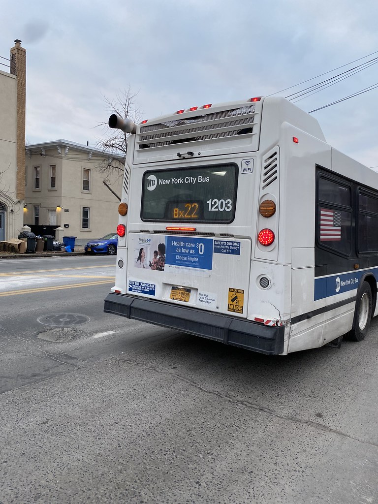 2010 Nova Bus LFSA 1203 - Bx22 To Fordham Center