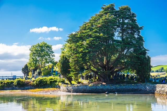 The quiet and peaceful Church Island - Menia Straits