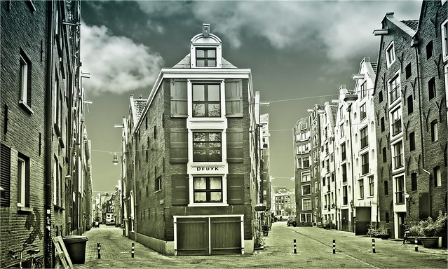 TEERKETELSTEEG - KOGGESTRAAT • amsterdam