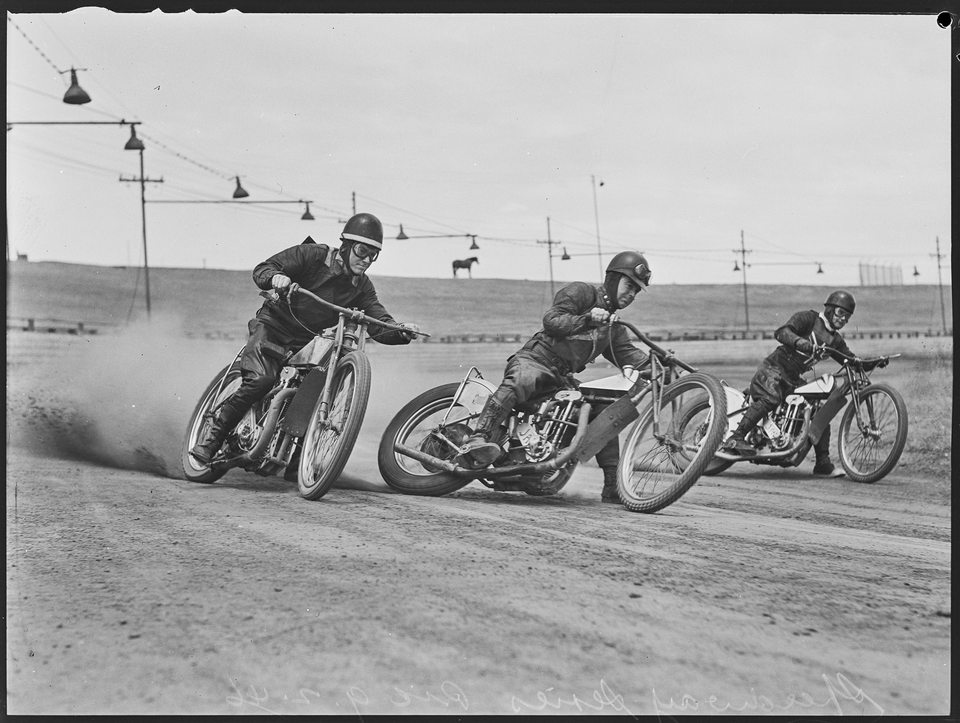Sydney Speedway, 9 February 1946, photographed by Ray Olson