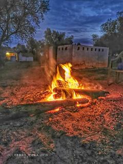 A la luz del fuego