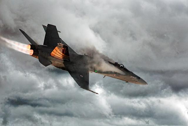 CF-18 Hornet @ YXX 🍁
