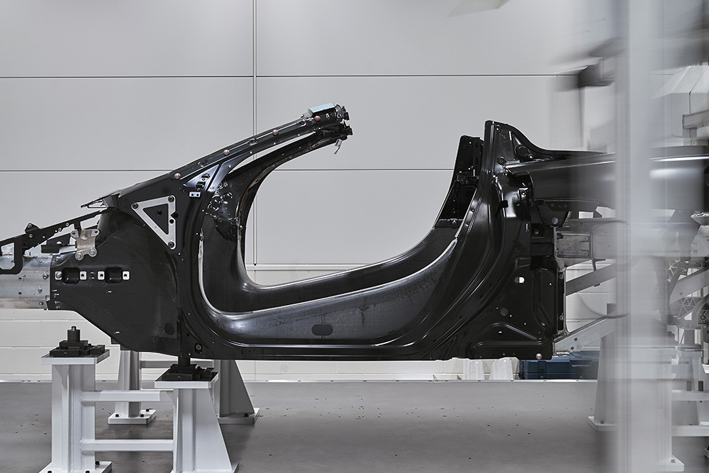 Large-11529-McLarenMPCTub