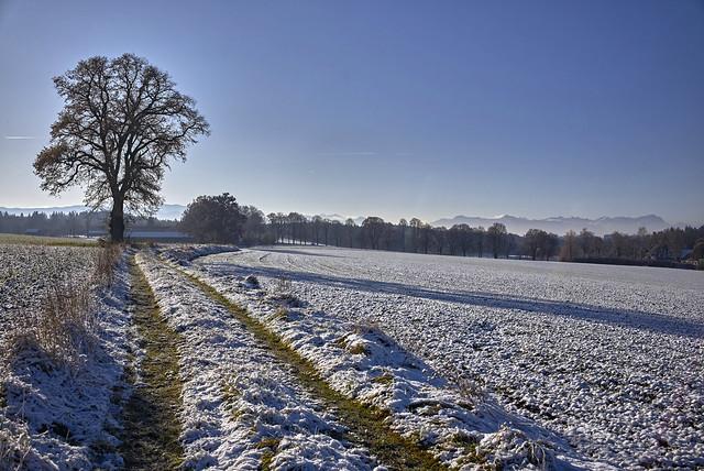 Schnee mit Gebirgsblick