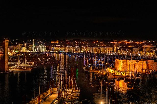 Le vieux port de Marseille de nuit -3D0A7558