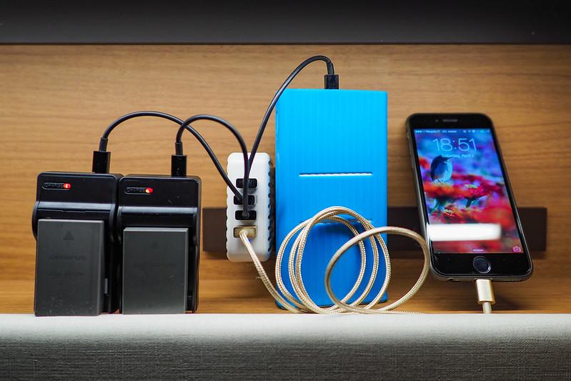 USB充電器|旅程中
