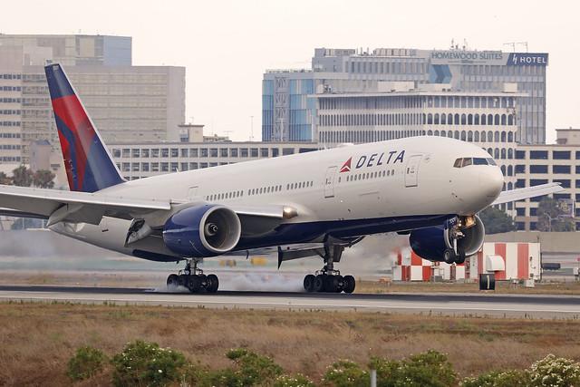 N860DA, Boeing 777-200ER, Delta Airlines, Los Angeles