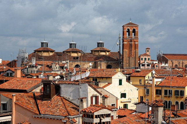 Venezia / View from Scala Contarini de Bovolo / Chiesa San Salvador