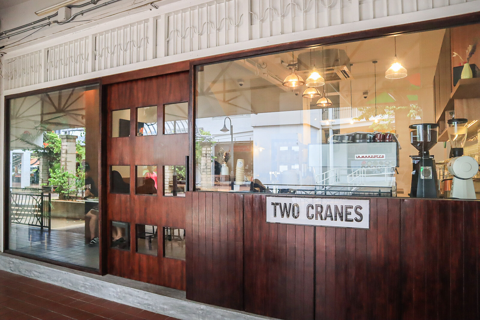 two cranes storefront