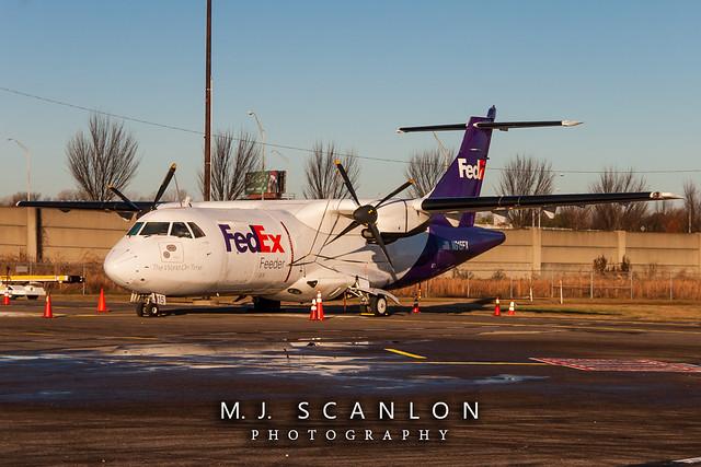 N915FX FedEx Feeder | ATR 42-300(F) | Memphis International Airport