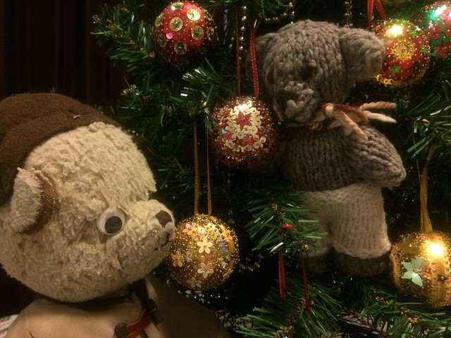 Paddington and Scout Decorate the Christmas Tree 4.