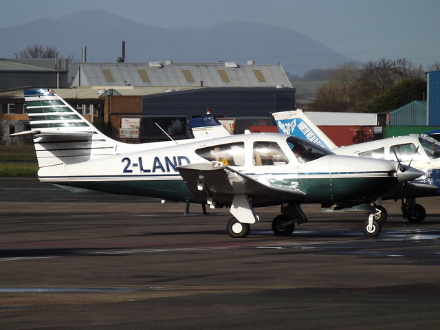 2-LAND Rockwell Commander 114B (Private Owner)
