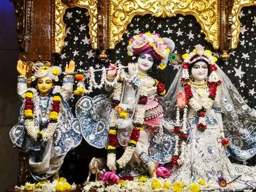 ISKCON Kolkata Deity Darshan 09 Dec 2019