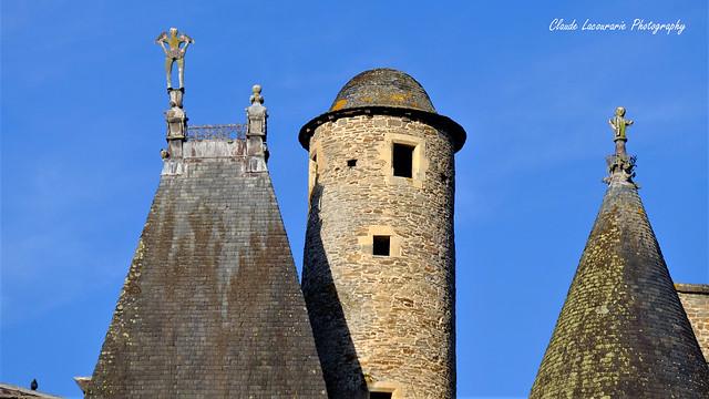 Les tours du Château de JUMILHAC