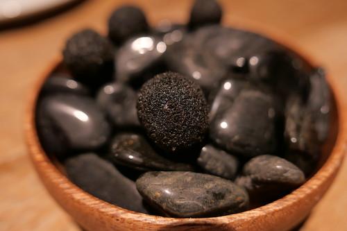 ブラックオリーブの肉詰めフリット