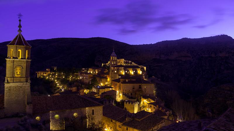 Albarracin subido a la muralla en Urbana y Arquitectura49193886101_d74e364091_c