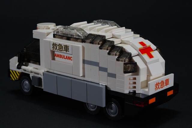 Armadillo_Van_AMBULANCE_3