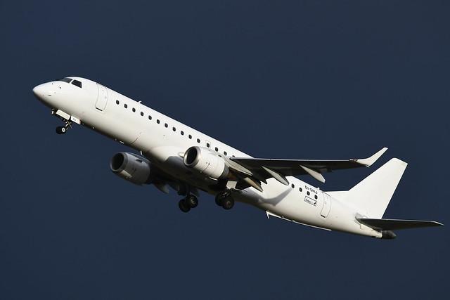 EI-GHJ Embraer 195 EGPH 08-12-19