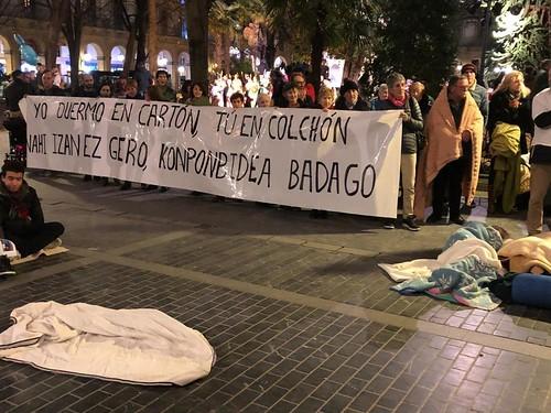 Concnetración en Donostia con motivo el Día Mundial del Sinhogarismo
