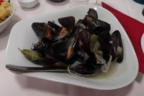Miesmuscheln in Weißweinsoße (als Hauptgericht)