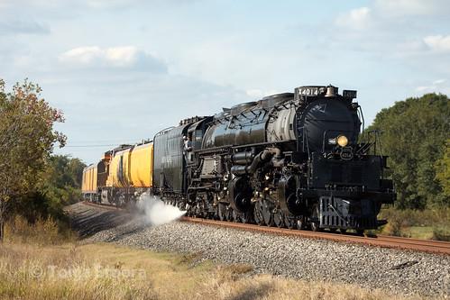 up union pacific big boy 4014 steam locomotive train passenger eagle lake texas