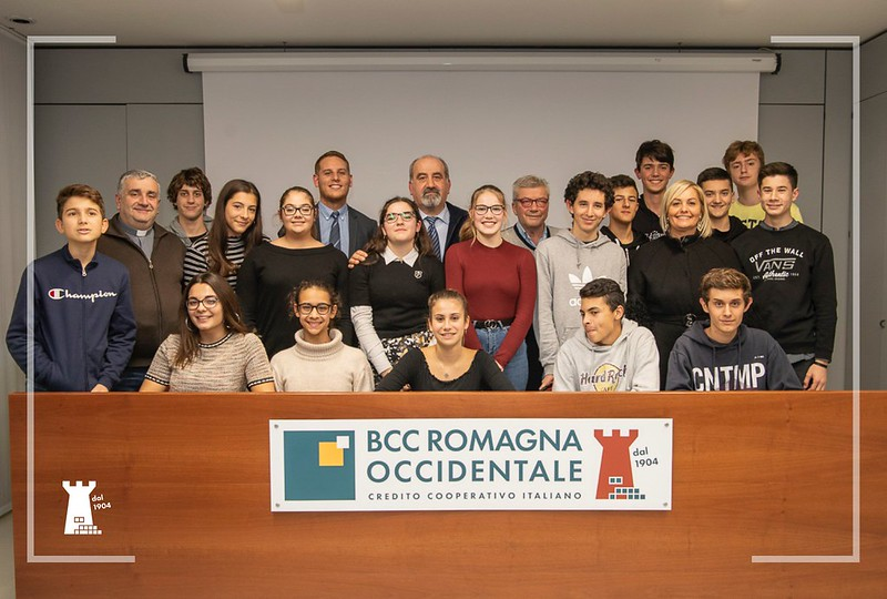 Consegnate dall' Ars-Cra e BCC Romagna Occidentale le borse di studio ai 19 migliori studenti delle terze medie di Castel Bolognese