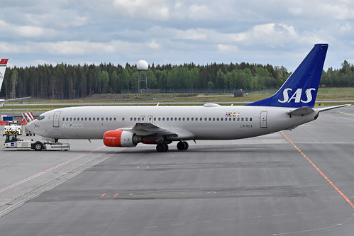 Boeing 737-883 'LN-RCX' SAS Scandinavian Airline System | by Hawkeye UK