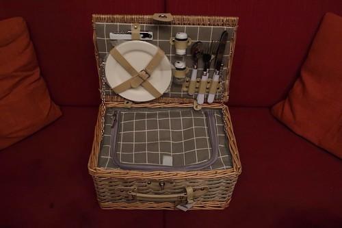 Picknickkorb (geöffnet)