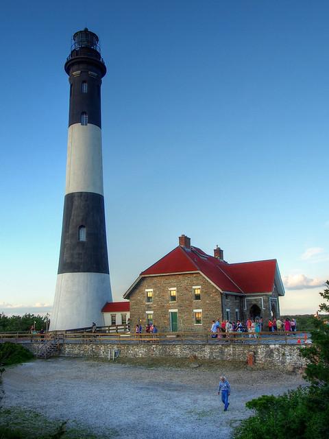 PC - L I Lighthouse - 14522602172_29042ff93f_o