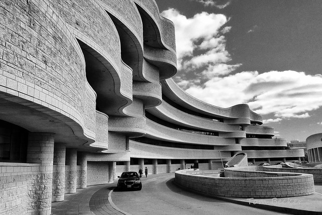 Curving architecture of Canada's museum of history