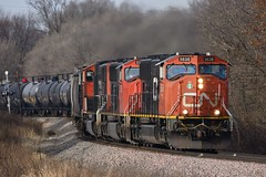 CN 5638 at the S Curve at Dyersville, IA