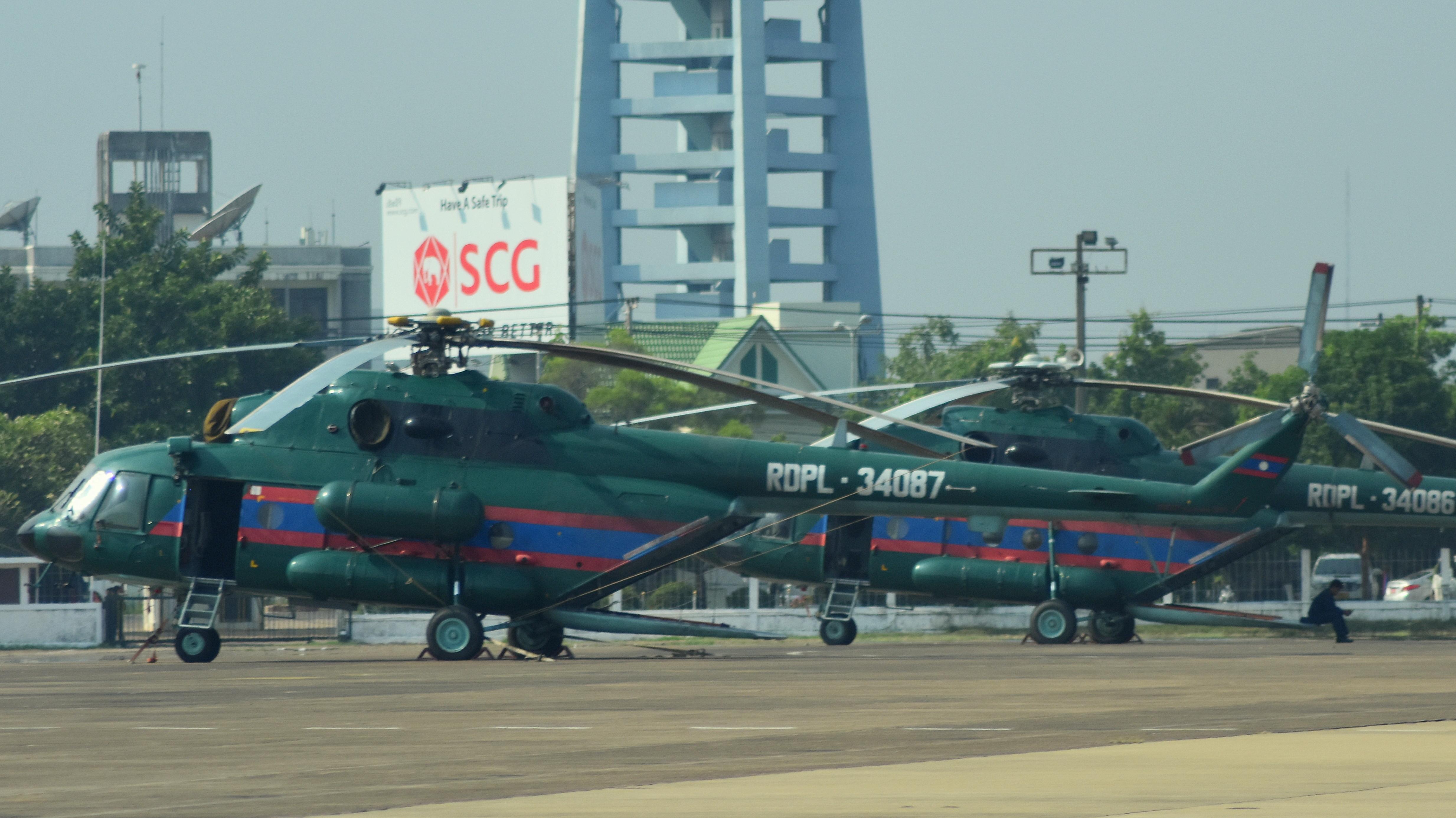 L'Armée populaire lao / forces armées du Laos 49197462408_bd4bc3587a_5k