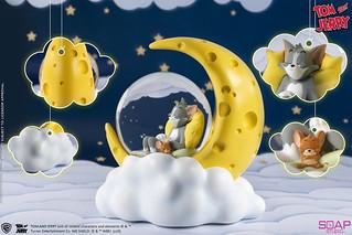 在月光下互相依偎入睡~Soap Studio《湯姆貓與傑利鼠》湯姆貓與傑利鼠 起司月亮水晶球(Tom and Jerry Cheese Moon Snow Globe)
