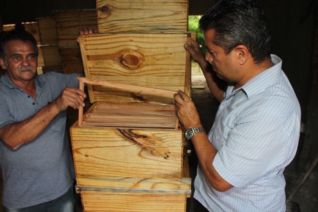 Alcobaça entrega kit apicultura e CARCEFIR na comunidade da Igrejinha (10)