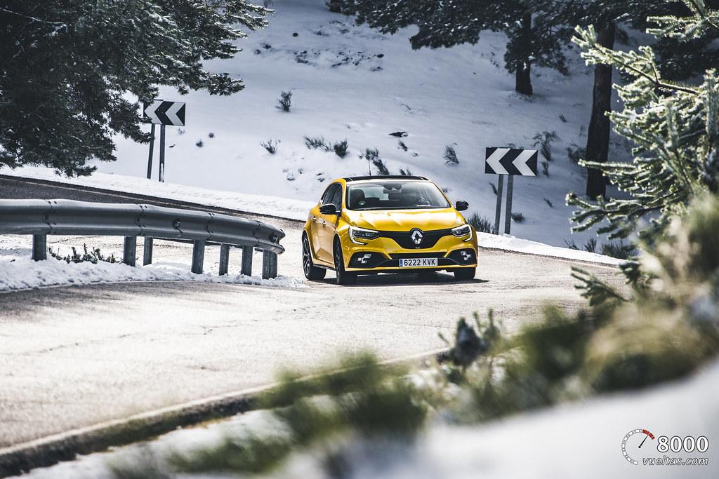 Renault Megane RS Trophy - 8000vueltas-12