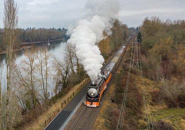 SP 4449 (Lima GS4 4-8-4 Daylight) Holiday Express Oak Park Portland, Oregon