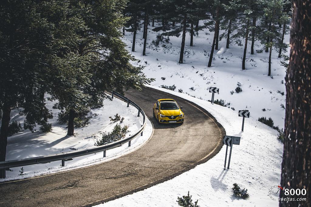 Renault Megane RS Trophy - 8000vueltas-7