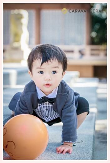 1歳の男の子 蝶ネクタイとジャケット
