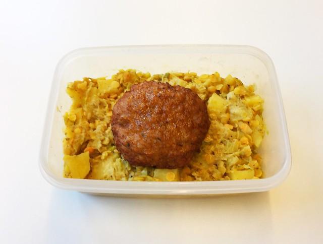 Leek lentil vegs with meatball /  Lauch-Linsen-Gemüse mit Fleischpflanzerl