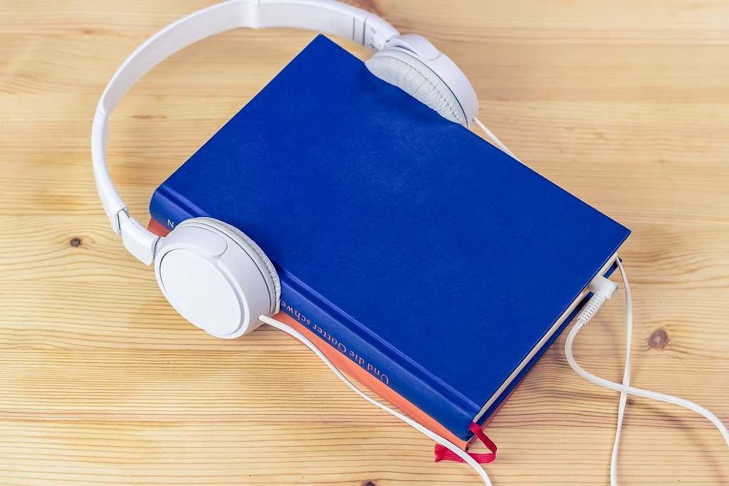 audiobook-3106986_1920