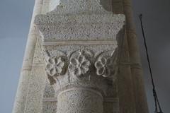 Iglesia de Santa María del Castillo - Capitel en el interior