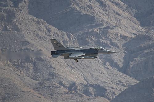 Nellis AFB F-16 Landing