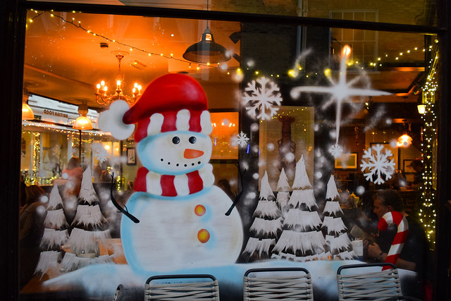 Deakin's Canterbury Christmas Window Snowman 2019