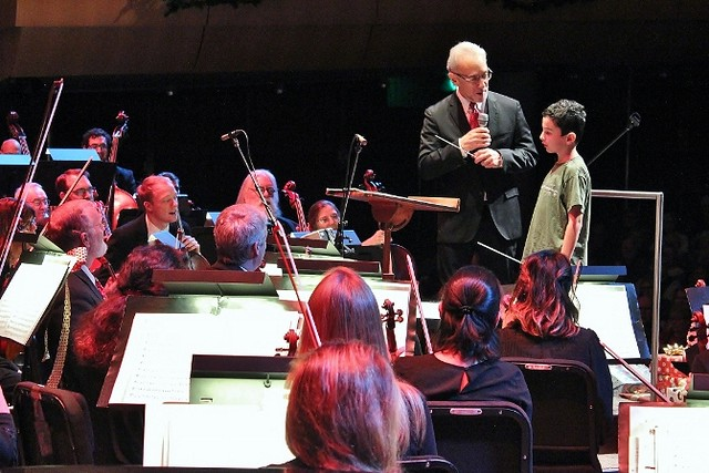 Kids guest conduct Grand Rapids Symphony's Holiday Pops