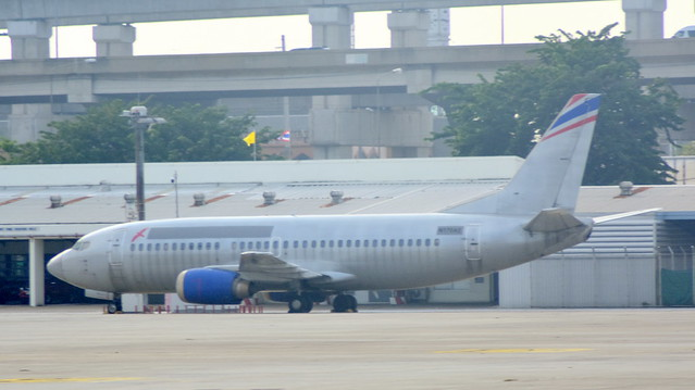Boeing 737-3Z0 c/n 27138 registration N170AE stored at Don Muang airport