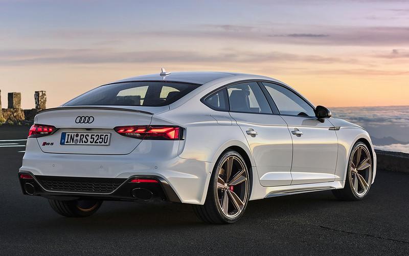 2020-Audi-RS5-Coupe-Sportback-25