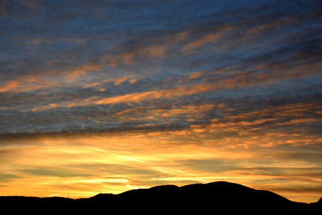 Posta de sol de Tardor, Torrelles de Foix, Clapí Vell
