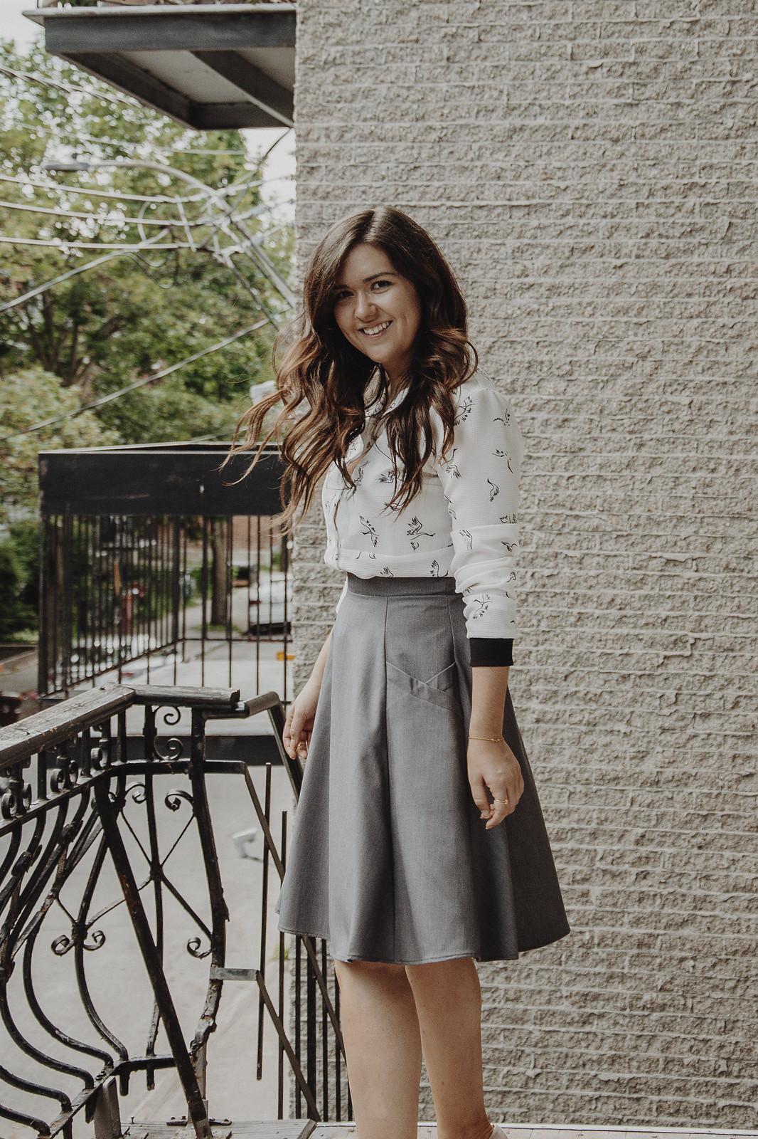 marie-chloé falardeau jupe grise marilou design look quatre saisons