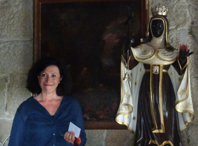 Aquí con la Efigie de Santa Ifigenia