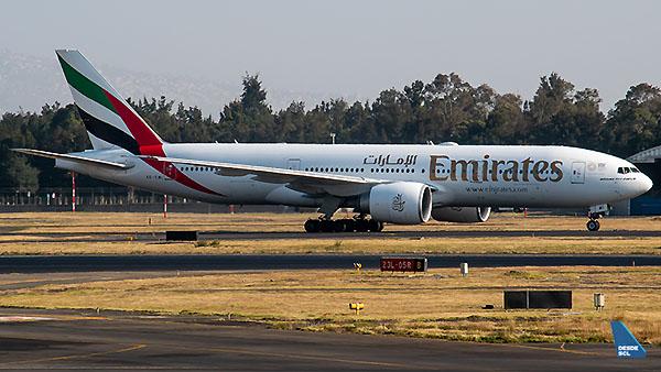 Emirates Boeing 777-200LR (Ricardo Mungarro)